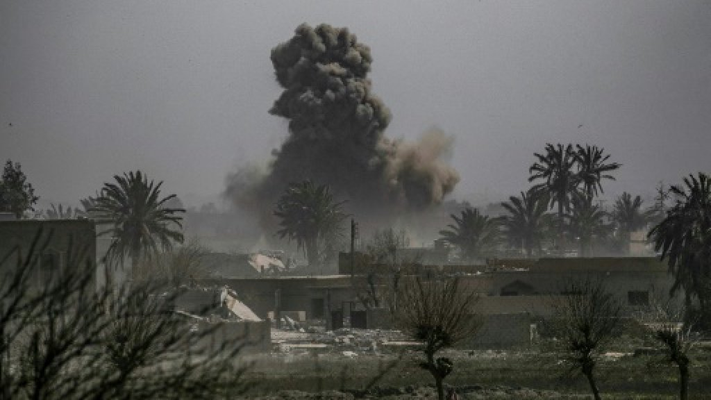 Syria death toll tops 370,000 in 8 years of war: monitor