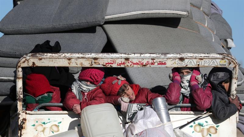 Thousands flee northwest Syria as Assad pushes towards Idlib