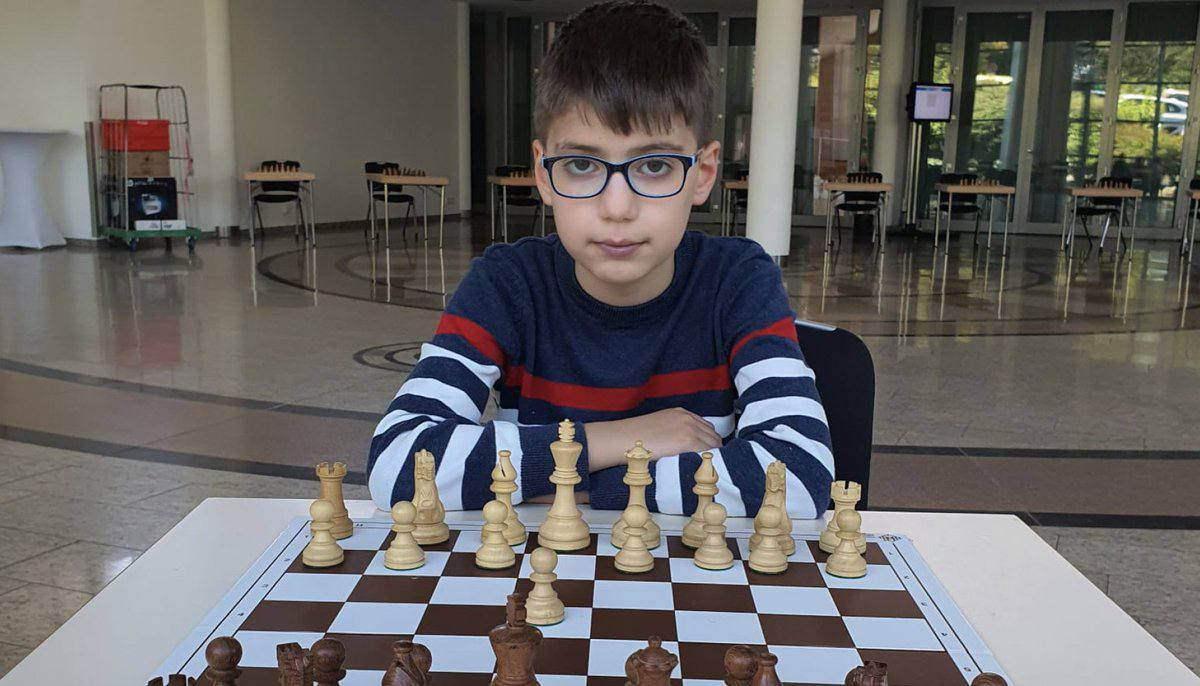 """""""Miracle Child"""": German Media Celebrates a Syrian Child who Excelled in Chess"""
