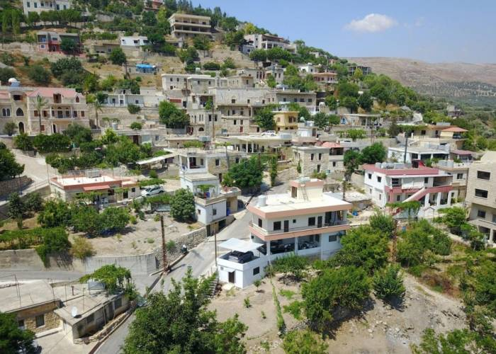 Clash Causes Displacement of 900 Syrian Refugees in Southern Lebanon