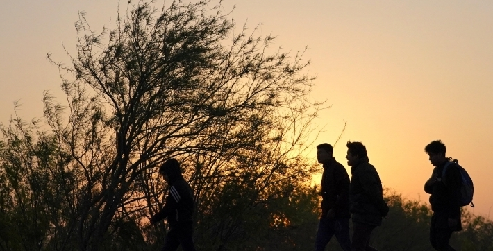 Syrian-Kurdish-Migrants-Abandoned-in-Duhok-by-Smuggler-Telling-Them-Its-Turkey.jpg